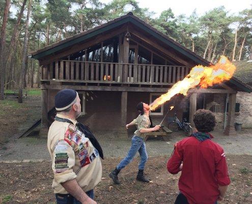 vuurspuwen jongeren Scouting Sint Maarten Valkenswaard